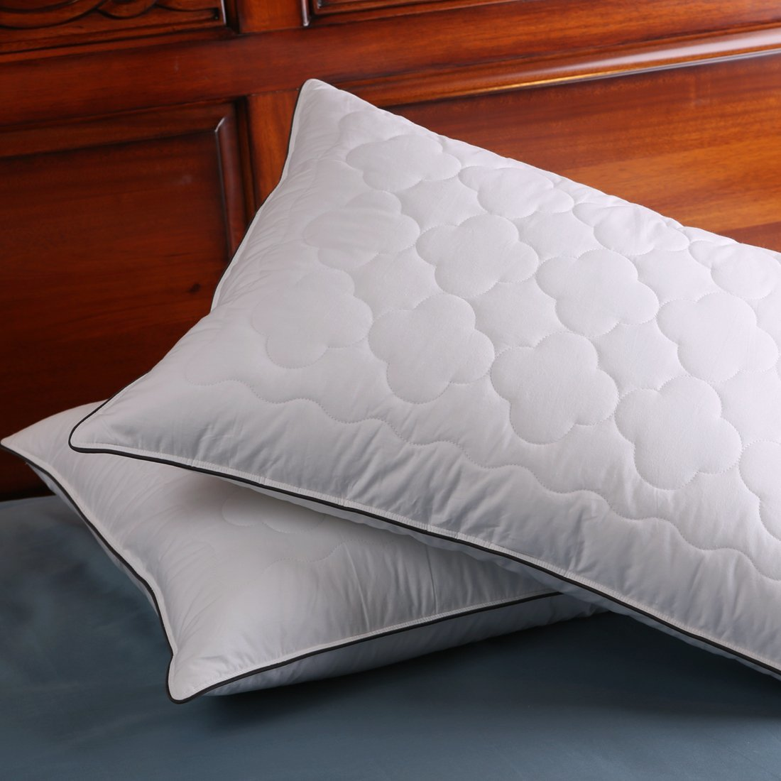 Down and Feather Pillow Double layered Fabric Bed pillow